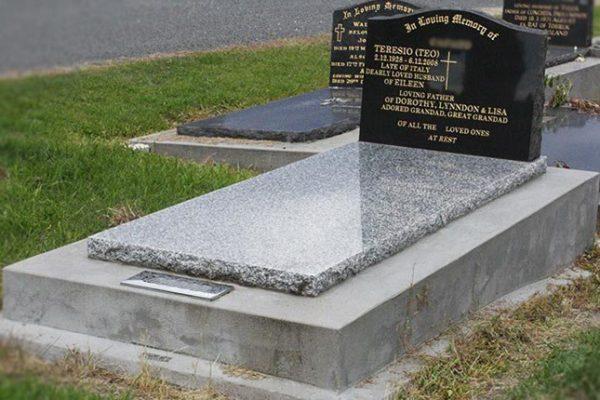 memorials-pic03